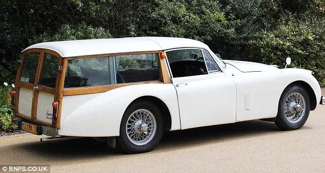 classic-jaguar-morris-minor